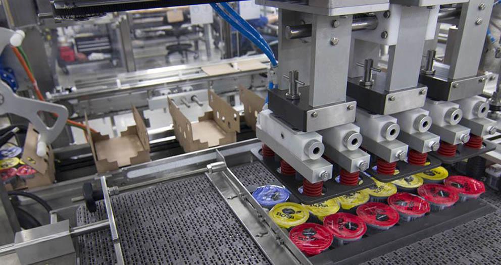 Fragile Lid case packer packing foil top yogurt cups