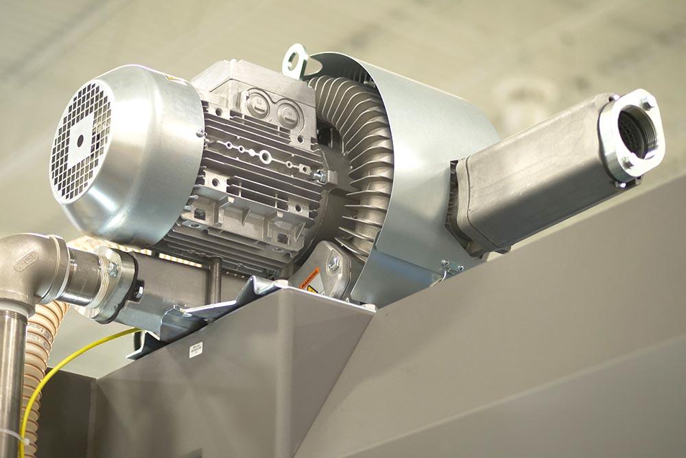 Robotic case packer vacuum design