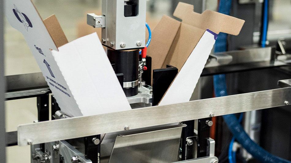 case erector forming delkor cabrio case shelf ready package design